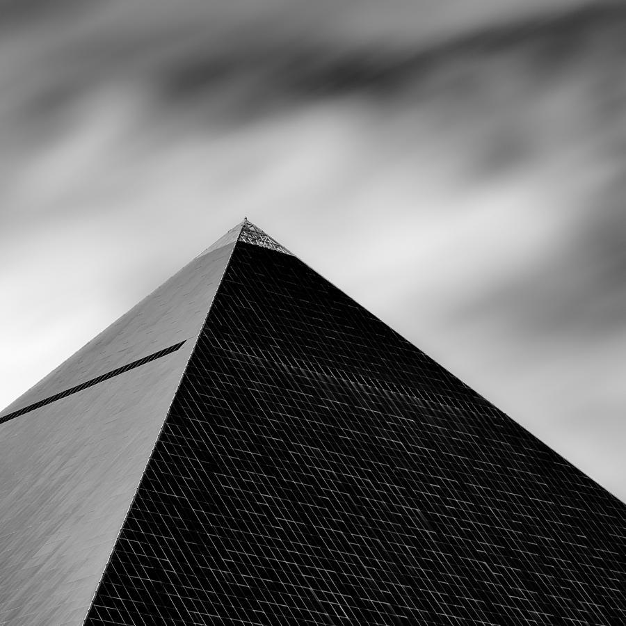 luxor-pyramid-david-bowman